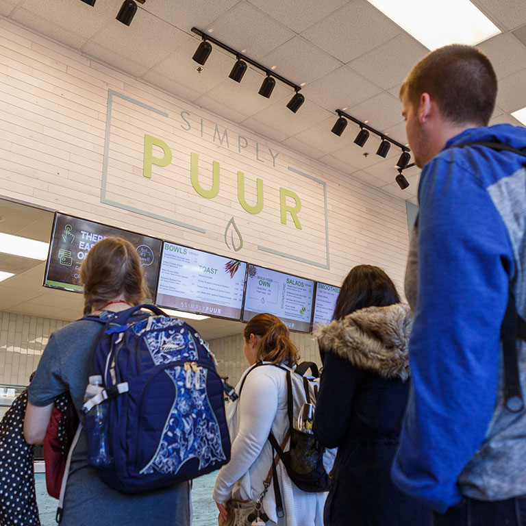 Students line up at PUUR to get a bite for lunch.